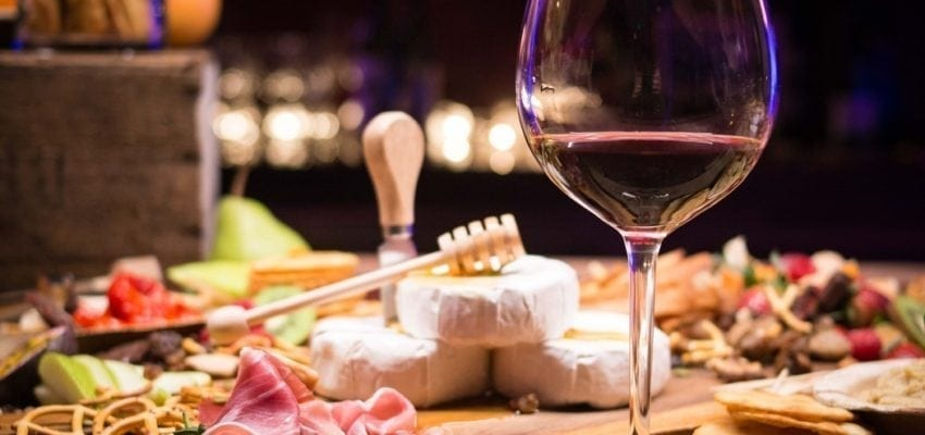 The best ideas for pairing wine and cheese