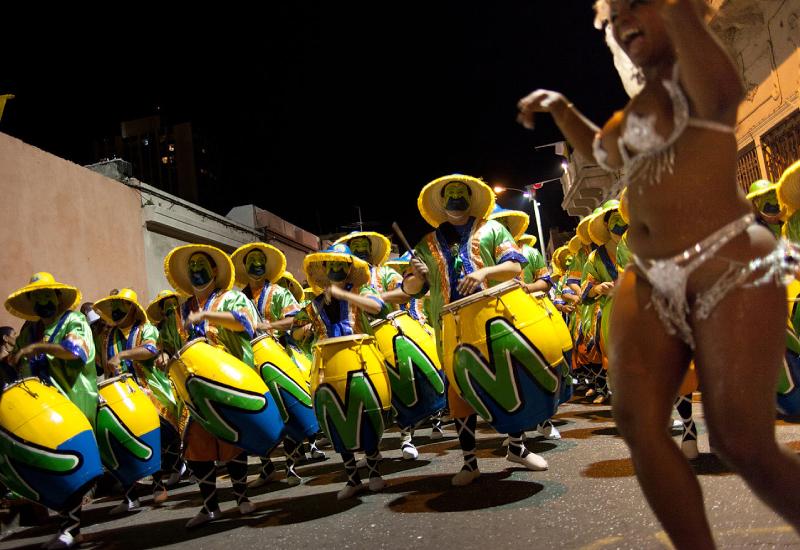 momo dios del carnaval