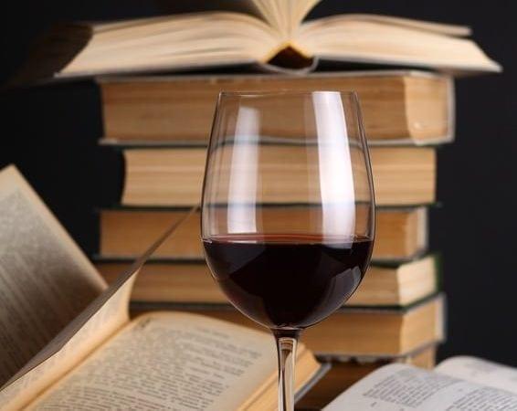 Vino y libros: cinco lecturas para cinco uvas distintas
