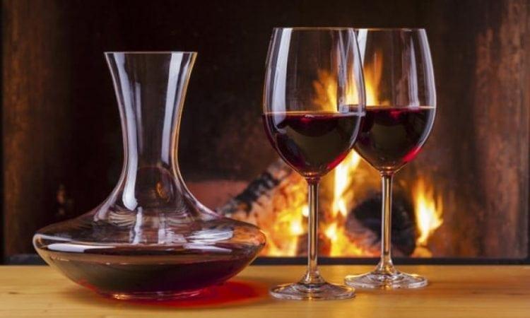 Los 5 accesorios que todo aficionado al vino debería tener