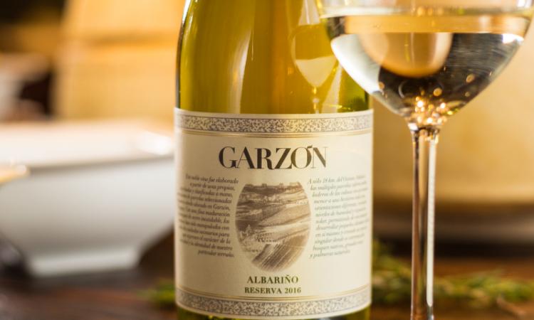 Chorizo al vino blanco: la auténtica receta uruguaya