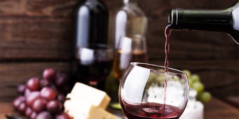 O melhor vinho para harmonizar com queijos: ajudamos na escolha
