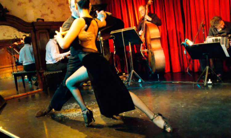 Tango uruguayo and its 10 more popular songs